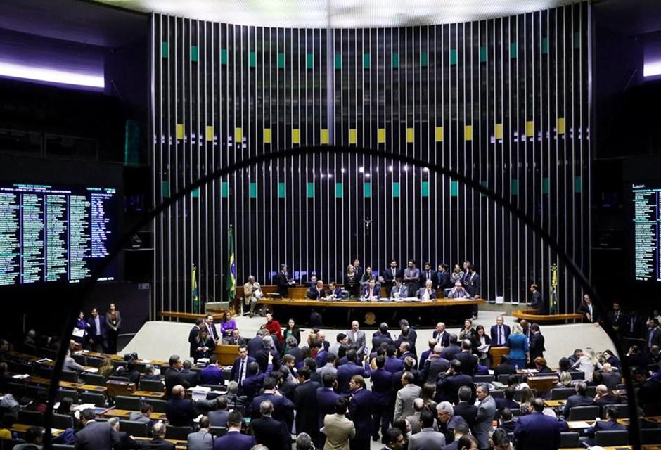 Câmara aprova dois projetos em defesa em direitos dos audistas