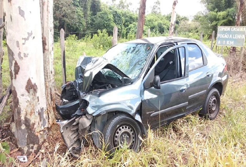 Duas pessoas morrem em acidente de carro entre  Ilicínea e Guapé