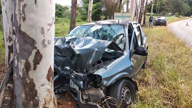 Acidente deixou dois mortos entre Ilicínea e Guapé (MG) — Foto: Corpo de Bombeiros